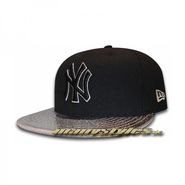NY Yankees 59FIFTY MLB Metallic Slither Black Silver Cap