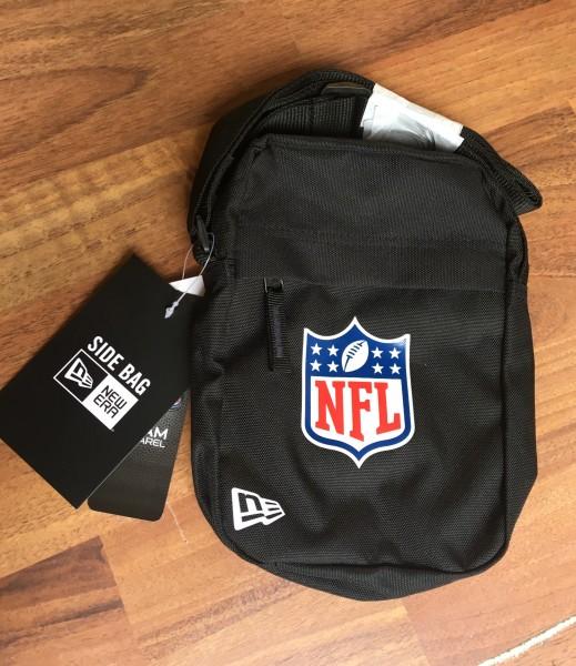 NFL Shield Logo Side Pack Black White von New Era