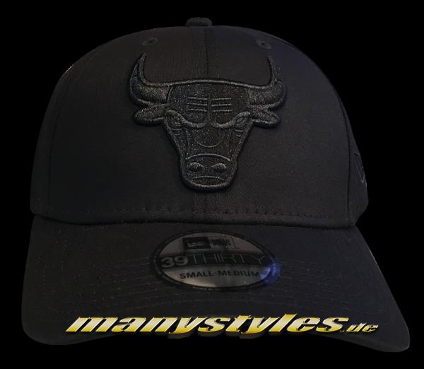 Chicago Bulls NBA 39THIRTY Curved Visor Cap Stretch Flex Fit Black on Black von New Era