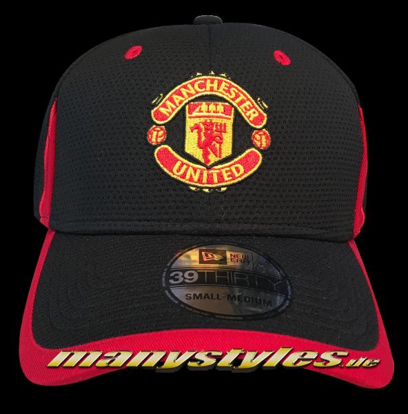 Manchester United 39THIRTY Curved Visor Cap Black Scarlet Red Stretch Flex Fit von New Era