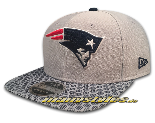 New England Patriots 9FIFTY NFL Sideline 2017 On Field Originals Fit Snapback Cap Black OTC von New Era