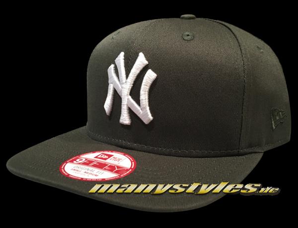 NY Yankees MLB League Essential 9FIFTY OF Snapback Cap Dark Green White von New Era