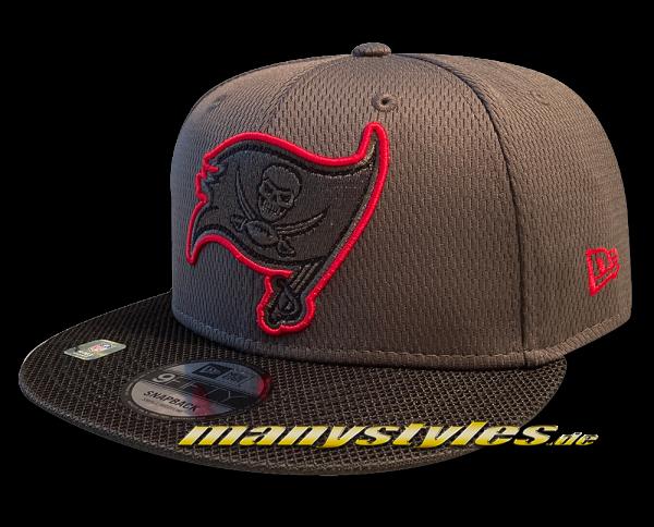 Tampa Bay Buccaneers 9FIFTY NFL21 SL RD 950 Snapback Cap Graphite Red Black OTC Sideline 2021 von New Era